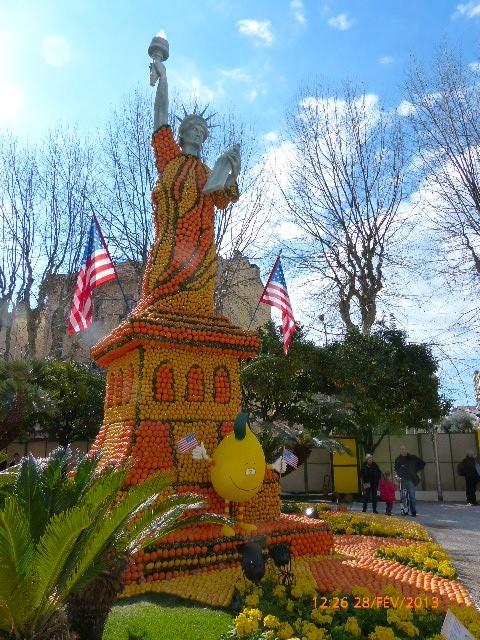 FETE DES CITRONS A MENTON FEVRIER 2012 P1010232