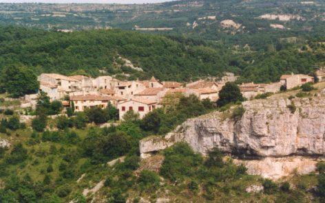 Le village où je suis né: SIMIANE LA ROTONDE (04) Oppede13