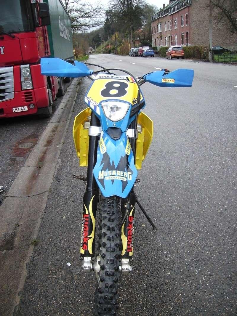 ca y est la moto est là Moto_s11