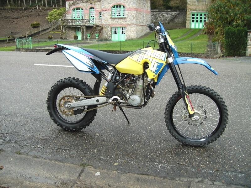 ca y est la moto est là Moto_s12