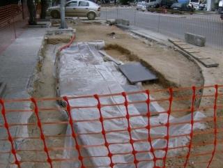 Αντί ανασκαφής, σκουπιδότοπος Hpim6110