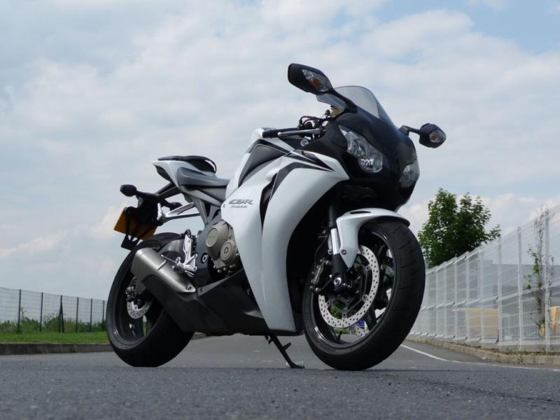 Honda CBR 1000 RR 2008-2011 <SC59> Cbr10010