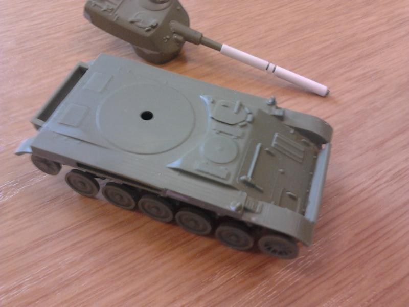 AMX-13 105 [HELLER] 1/72. MAJ 09/05 2013-013