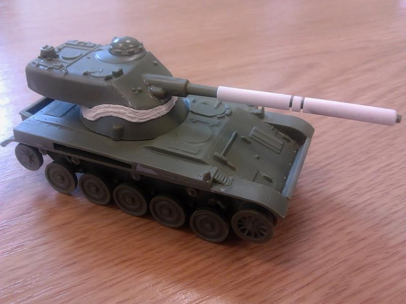 AMX-13 105 [HELLER] 1/72. MAJ 09/05 2013-014