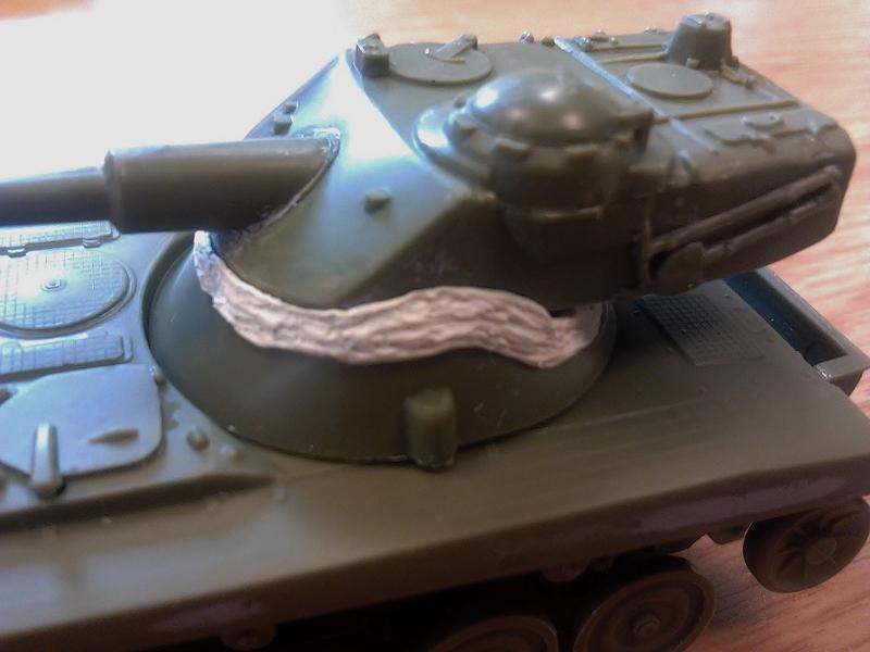 AMX-13 105 [HELLER] 1/72. MAJ 09/05 2013-016