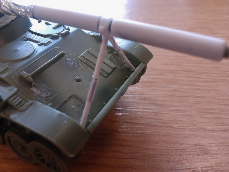 AMX-13 105 [HELLER] 1/72. MAJ 09/05 - Page 2 2013-018