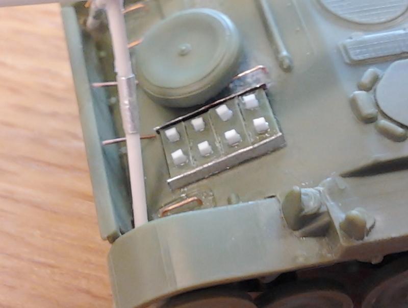 AMX-13 105 [HELLER] 1/72. MAJ 09/05 - Page 2 2013-026
