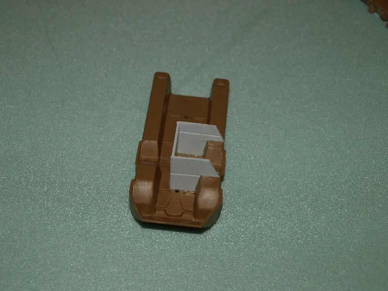 VAB 4x4  [HELLER 1/72]  ---  Montage terminé P1012515