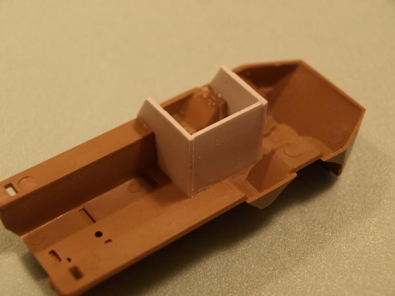 VAB 4x4  [HELLER 1/72]  ---  Montage terminé P1012517