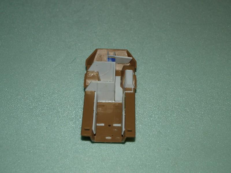 VAB 4x4  [HELLER 1/72]  ---  Montage terminé P1012610