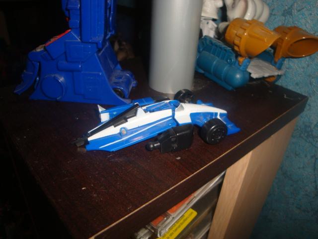 Avez-vous déjà cassé un Transformers? - Page 3 Dsc05940