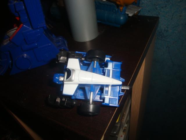 Avez-vous déjà cassé un Transformers? - Page 3 Dsc05941