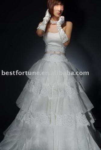 مجموعه اخري فساتين العروس 2009 Lk12