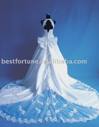مجموعه اخري فساتين العروس 2009 Sell_w10