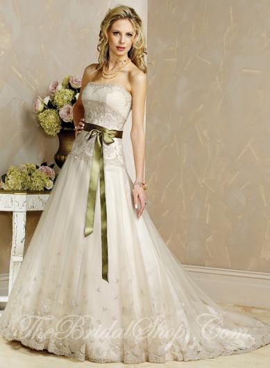 مجموعه اخري فساتين العروس 2009 Viera10