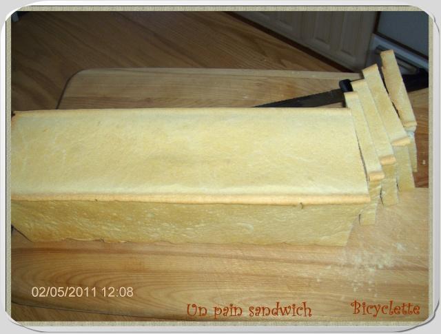 Démo d'un pain sandwich dans le moule Pullman _272210