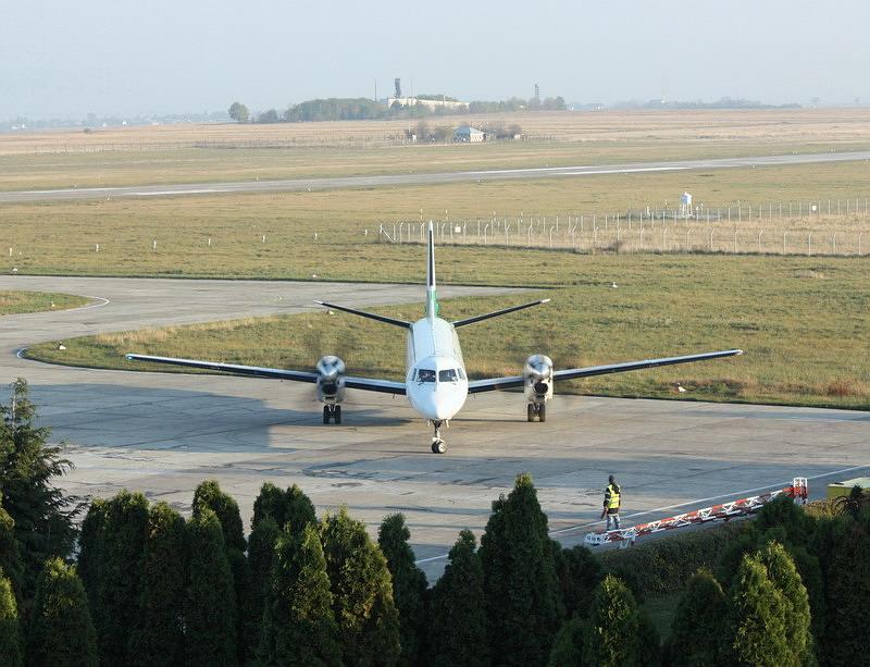 Aeroportul Suceava (Stefan cel Mare) - 2008 - Pagina 5 Img_2210