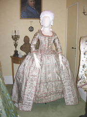 Quiz costumes féminins 1-pict10