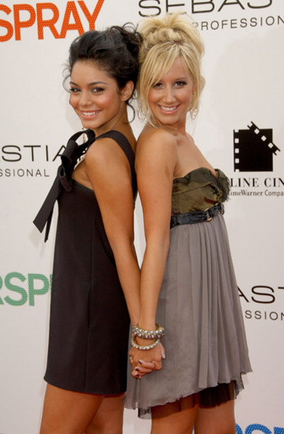 Official Vanessa & Ashley Gallery Actres10