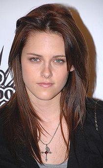 Kristen Stewart (Bella Swan) 210px-10