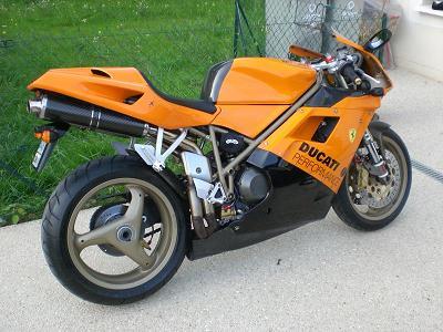 je roule pas qu'en Samba.. mais en 2 roues Ducati10