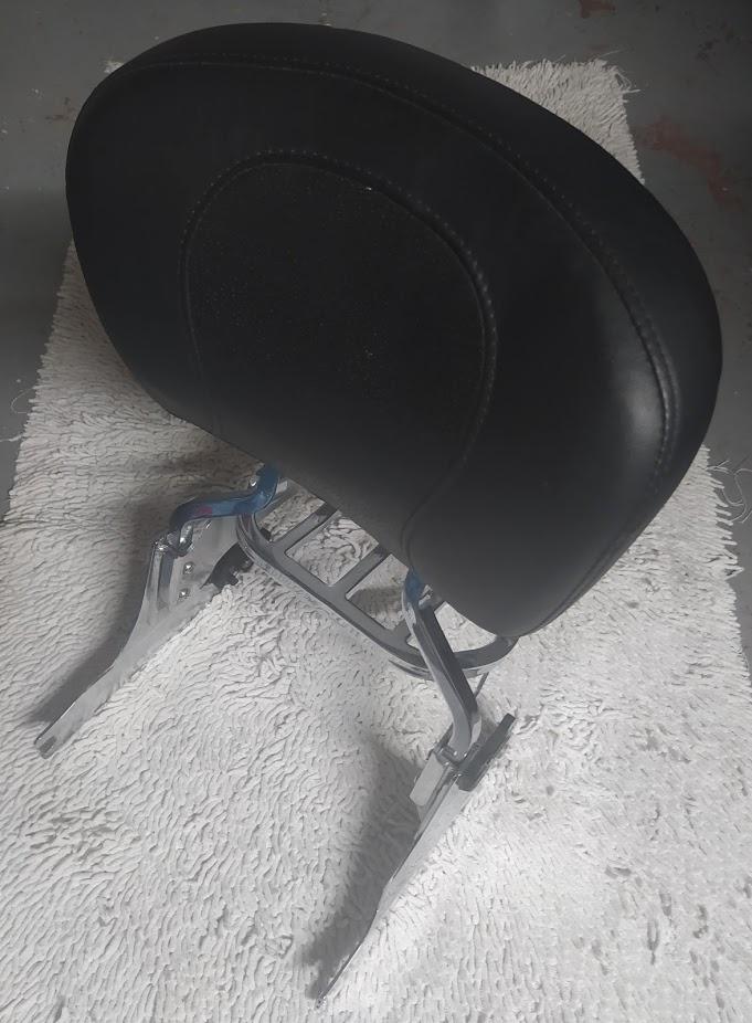 Sissy bar amovible Softail pneu ar en 200mm. Img_2050