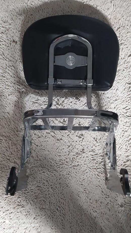 Sissy bar amovible Softail pneu ar en 200mm. Img_2051