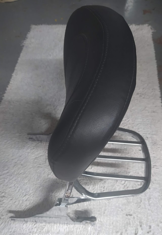 Sissy bar amovible Softail pneu ar en 200mm. Img_2052