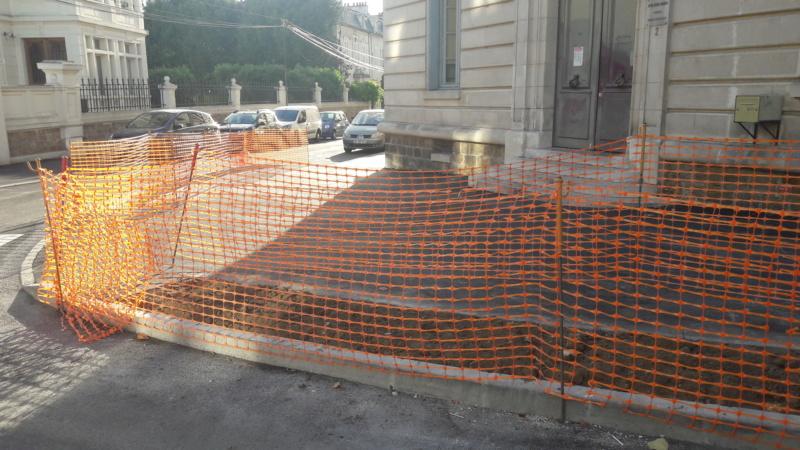 Réfection des rues Courteline et des Ursulines : toujours pas de végétal à l'horizon ! 20190910