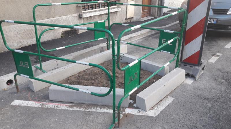 Réfection des rues Courteline et des Ursulines : toujours pas de végétal à l'horizon ! 20190911