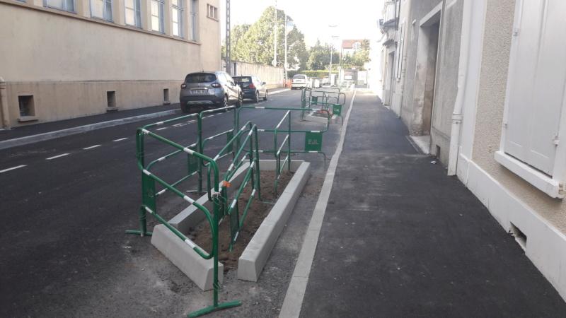Réfection des rues Courteline et des Ursulines : toujours pas de végétal à l'horizon ! 20190912