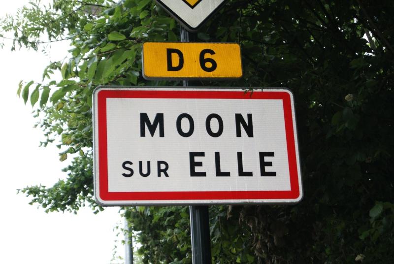 Monument WW2 - Moon-sur-Elle ( Manche - Normandie )   Dsc06710