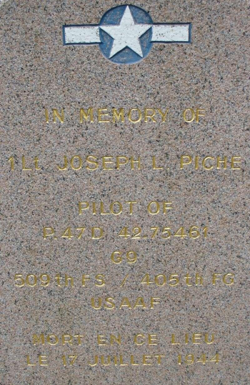 Monument WW2 - Etienville ( Manche - Normandie )  P1090519