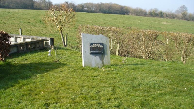Monument WW2 - Moon-sur-Elle ( Manche - Normandie )   P1090525