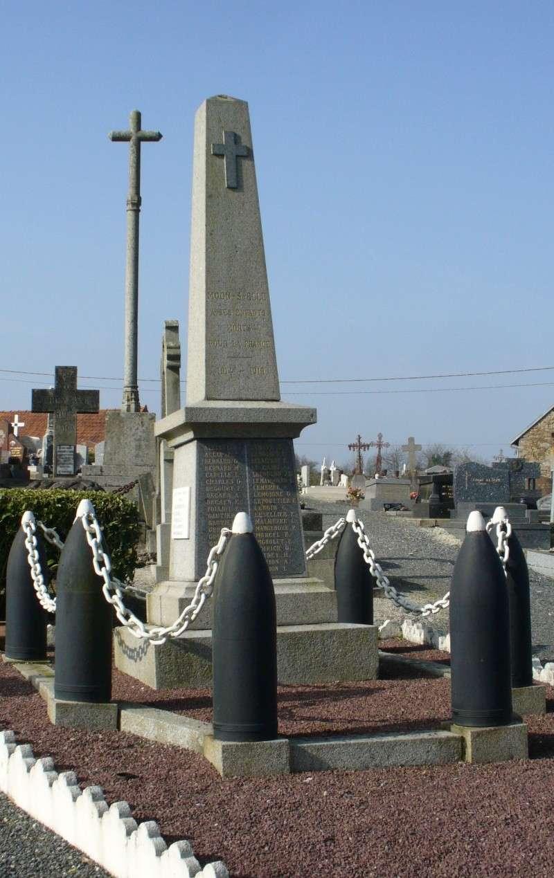 Monument WW2 - Moon-sur-Elle ( Manche - Normandie )   P1090616