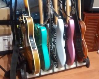 Photos de vos guitares. - Page 38 Stand111