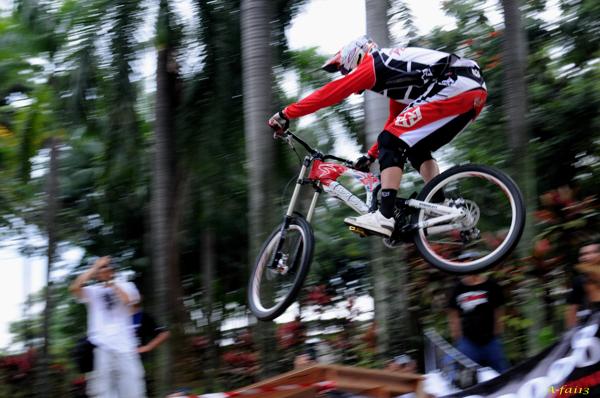 KLD2008 - Mountain Bike - Downhill 06080823
