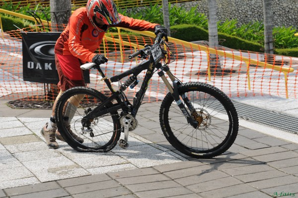 KLD2008 - Mountain Bike - Downhill 06080824
