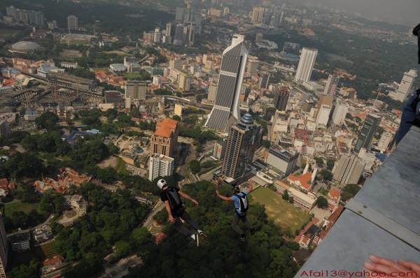 KL Base jump 08 - KL Tower Pictur14