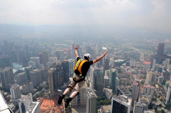 KL Base jump 08 - KL Tower Pictur17