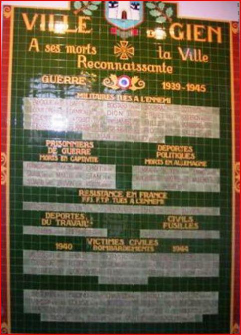 GIEN - Plaque hommage de l'ancien hôtel de ville Plaque10
