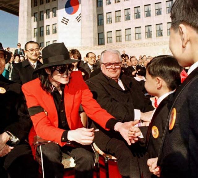 Michael et les Grands Hommes de ce monde 1999_p10