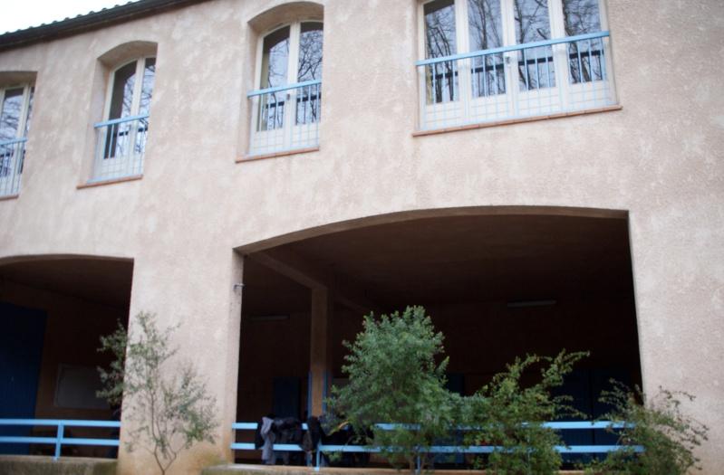 La mairie va déménager ... article sur le budget de Var matin Roi2010