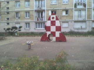 jeu d'enfant fusée de Tintin  Dsc00010