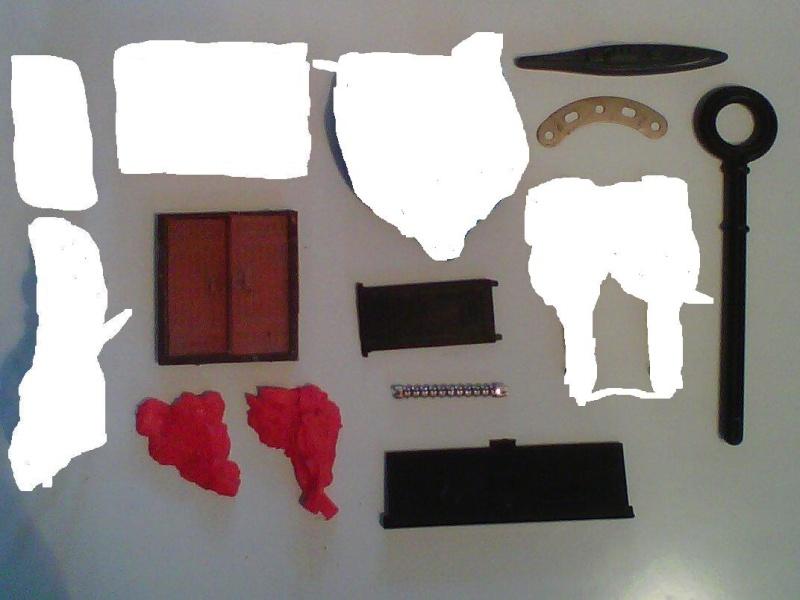 Help me , aidez moi à identifier tout ceci ...merci Img01110