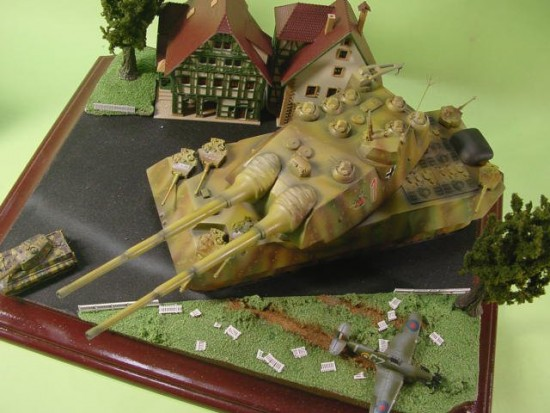 Les chars allemands monstrueux, une intox apparue dès 1943. 837f1d10