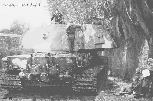 Les chars allemands monstrueux, une intox apparue dès 1943. Ti110