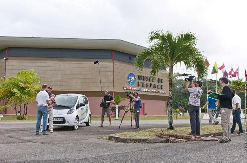C'est pas sorcier fait escale au Centre Spatial Guyanais (tournage) Sans_230
