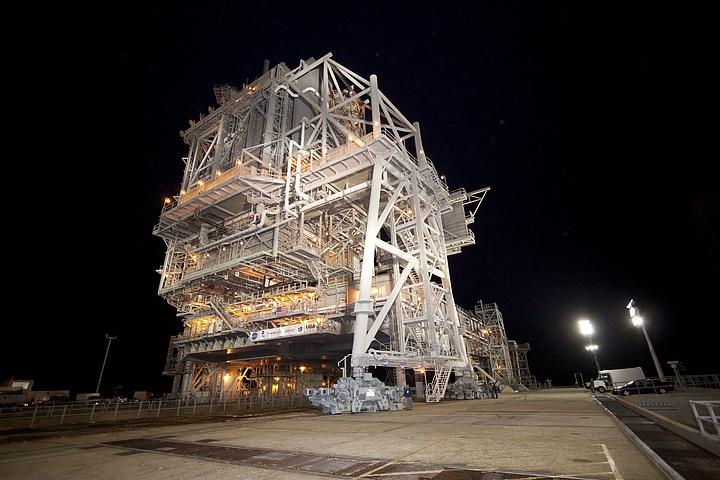 [STS-133] Discovery : Préparatifs (Lancement prévu le 24/02/2011) - Page 32 Sans_t43
