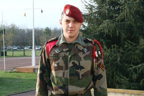 Mali :mort du caporal de 26 ans Cédric Charenton (un soldat d'un du 1er régiment de chasseurs parachutistes (1er RCP) de Pamiers) F4dc3610